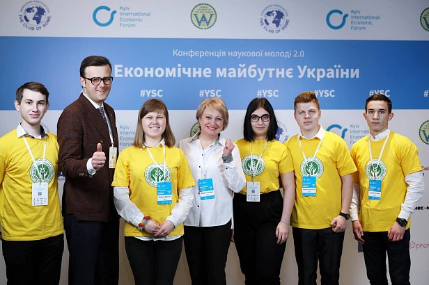 Арифметика бідності: де ховаються високі зарплати українців