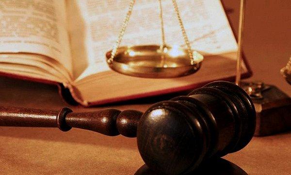 Российских военнослужащих Ефремова и Александрова суд оставил под стражей еще на два месяца