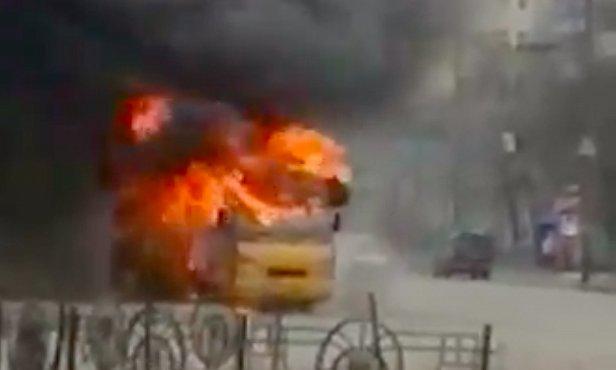 фото - в Киеве сгорела маршрутка
