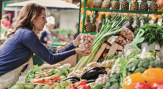 В Украине изменятся цены на продукты: что станет дешевле