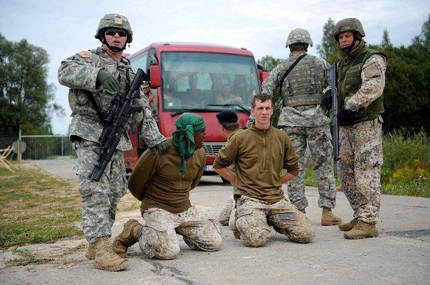 Национальные вооруженные силы Латвии на учениях