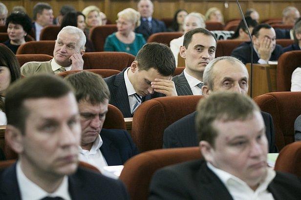 В Украине создали базу помощников местных депутатов (фото)