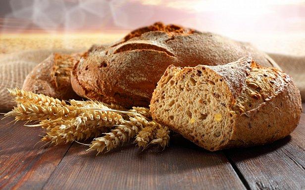 На фото - хлеб