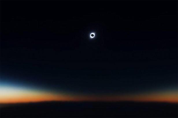 Фото - полное солнечное затмение показали на видео