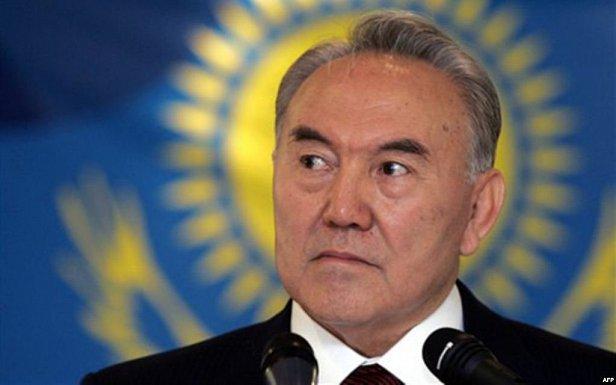 Назарбаев перевел Казахстан на латиницу