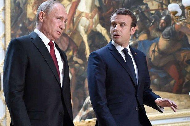Фото - Путин и Макрон