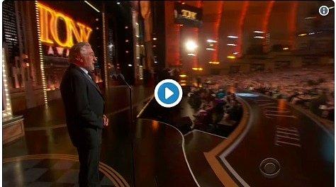 В прямом эфире: легендарный актер жестко обматерил Трампа (видео)