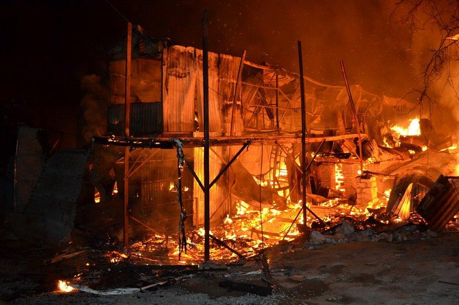 В Одесі знову сталася масштабна пожежа на причалі (фото)