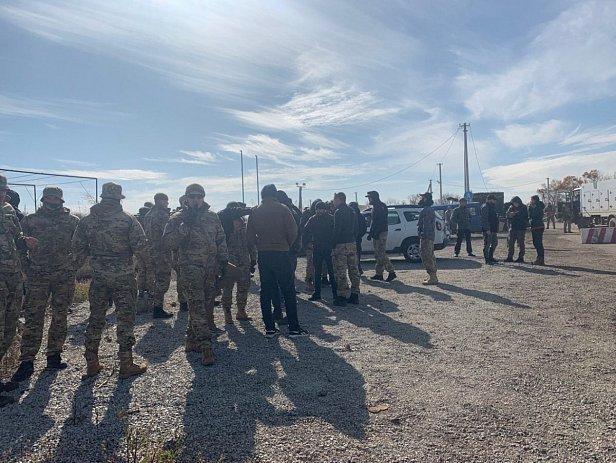 Полиция со стрельбой останавливала ветеранов АТО: появилось видео