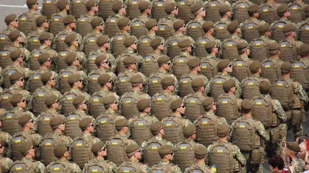 Порошенко изменил правила службы в армии: подробности