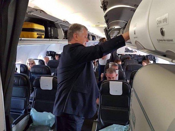 Фото - Порошенко покинул Украину