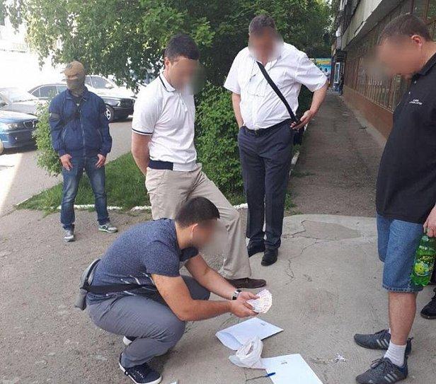задержание чиновника на взятке