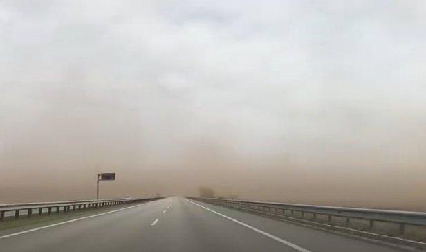 фото - буря пыли в Киеве
