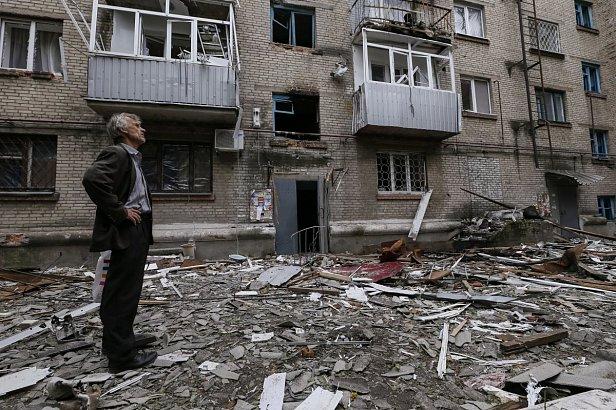 фото - разрушенный дом в Донецке