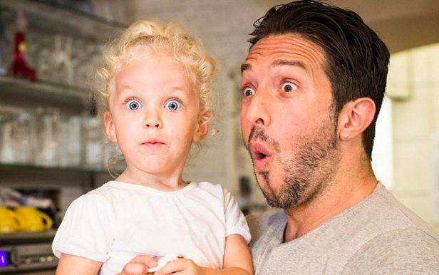 Что подарить ребенку к 1 сентября: умные часы и другие полезности