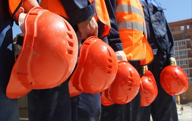 Гройсман поздравил украинских строителей с их профессиональным праздником