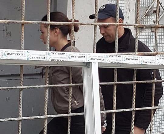 Алену Зайцеву привезли на суд в ботинках за $1000 (фото)