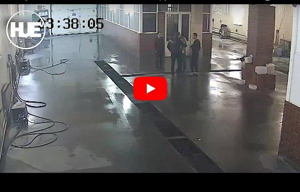Мужчина одним ударом убил сотрудника автомойки за отказ мыть BMW