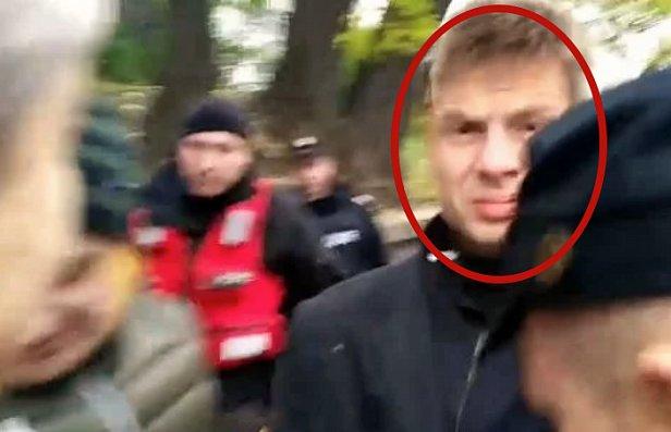 Под Радой напали на скандального нардепа: полиция не спасла (фото, видео)