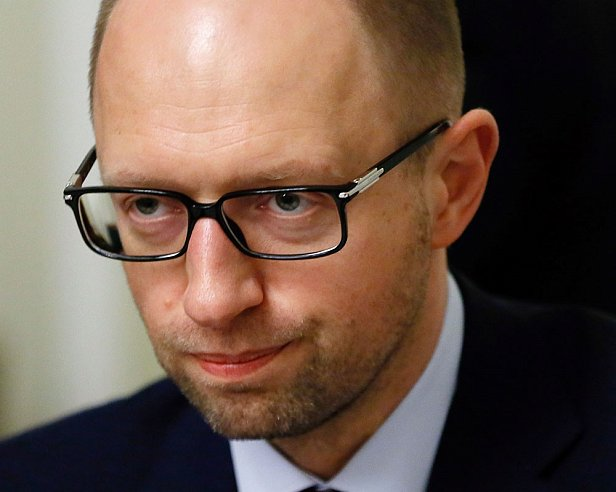 Яценюк требует выяснить как офшоры получили допуск к Черноморскому шельфу