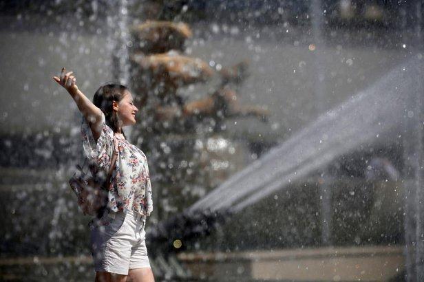 Прогноз погоды на воскресенье, 12 августа: грозы и дожди накроют часть страны