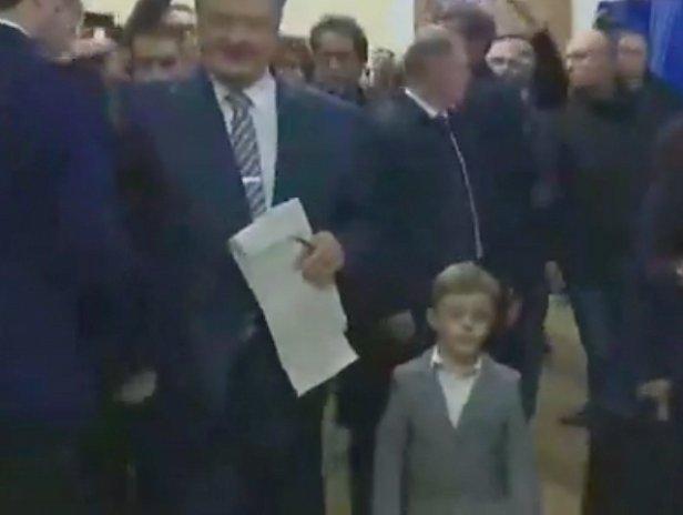 фото - Порошенко на выборах