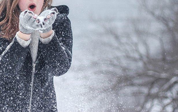Морозы и снег: кому в Украине сегодня будет тяжелее всего