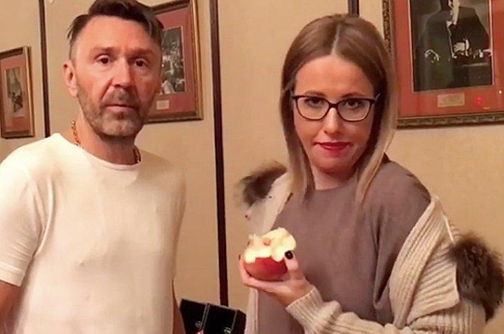 """""""Ты куда, бл*дь, прешь, кобыла"""". Шнуров заступился за Собчак в ее предвыборной ссоре с Навальным"""
