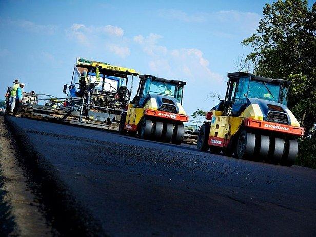 В Кабмине пообещали за три года привести в порядок дороги