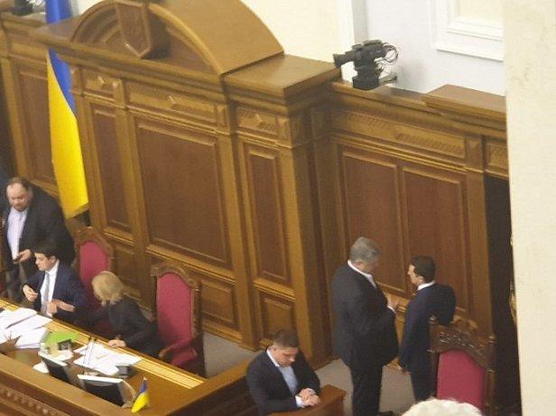 Фото — Пётр Порошенко и Владимир Зеленский