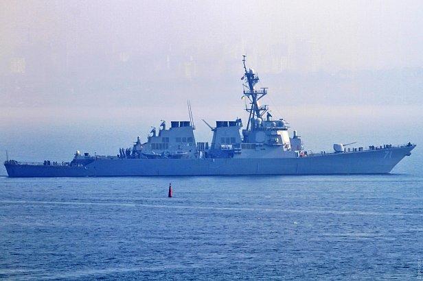 фото - Американский эсминец Росс