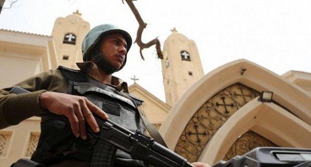 фото: Египет вводит режим ЧП