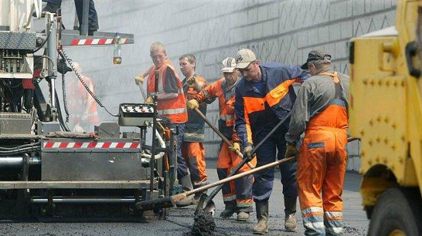 На ремонт дорог: пять крупных городов Украины получат €75 млн
