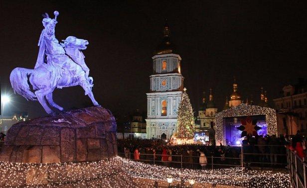 В Киеве решили праздновать Новый год 30 дней