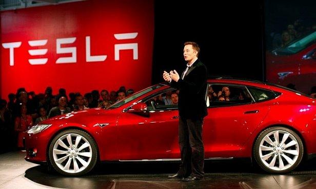 Акции Tesla упали после заявлений Илона Маска о сокращении штата