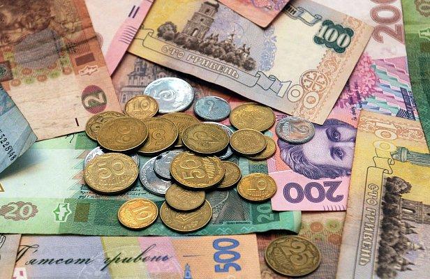 Выросла почти на 40%: стал известен размер средней зарплаты в Украине