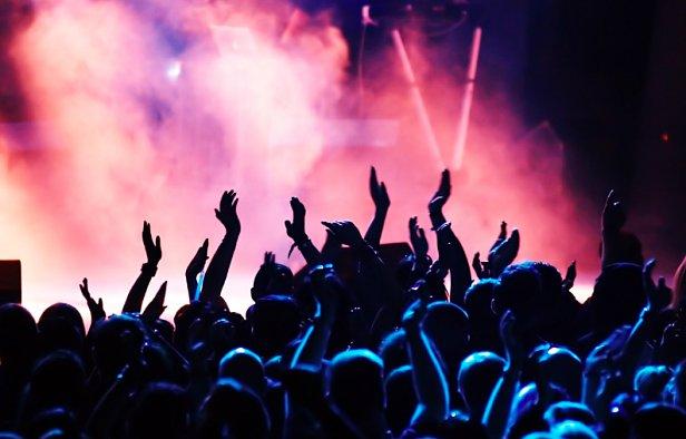 Вот так номер: на московском концерте к 9 мая выступил заслуженный артист Украины