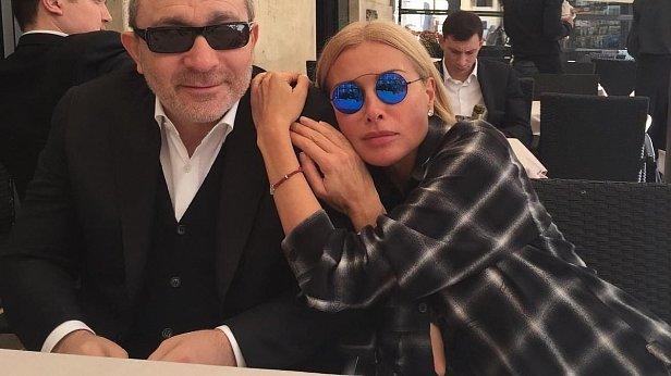 Фото - Геннадий Кернес и Оксана Гайсинская
