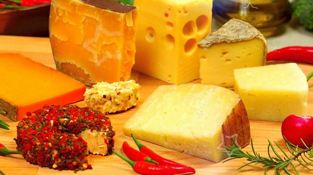 Украинцы стали больше потреблять импортного сыра