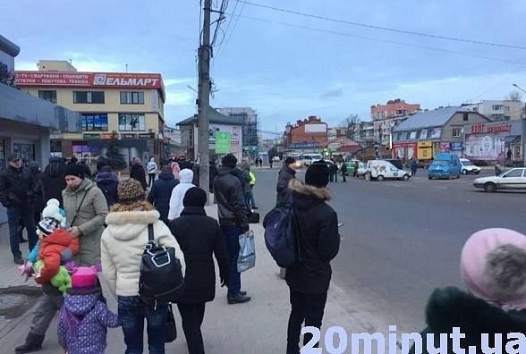 В Тернополе водители маршруток устроили забастовку из-за электронной системы оплаты