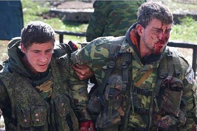 Куча останков, невозможно опознать: путинские боевики понесли колоссальные потери (18+)