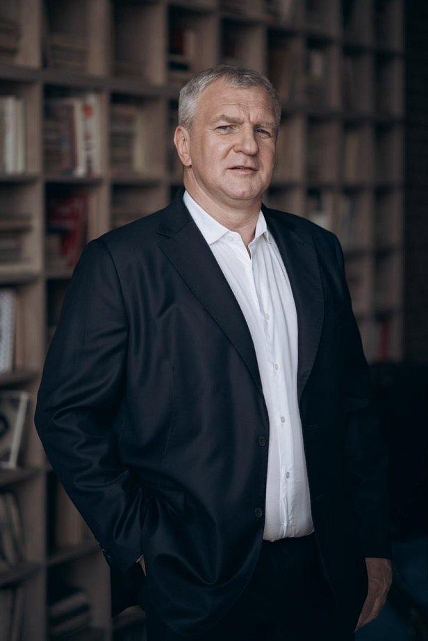 Леонід Гребінський, Голова Правління АТ «КРИСТАЛБАНК»: Ми намагаємося з оптимізмом реагувати на невдачі, подразники і перешкоди, та виносити з цього нові знання та навички