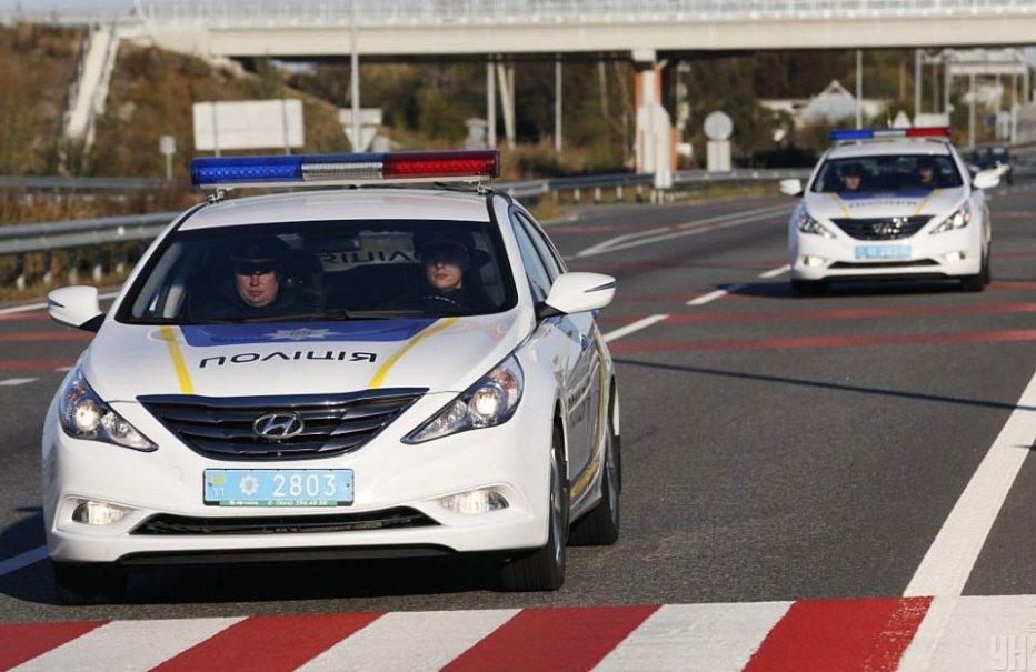 Прибыла смена ГАИ: на украинские дороги выехала патрульная служба