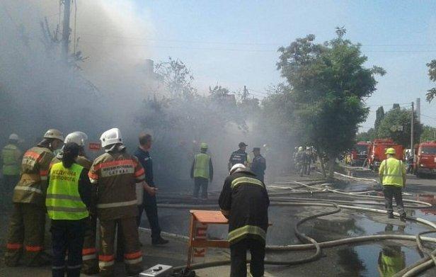 На фото  - пожар в Киеве