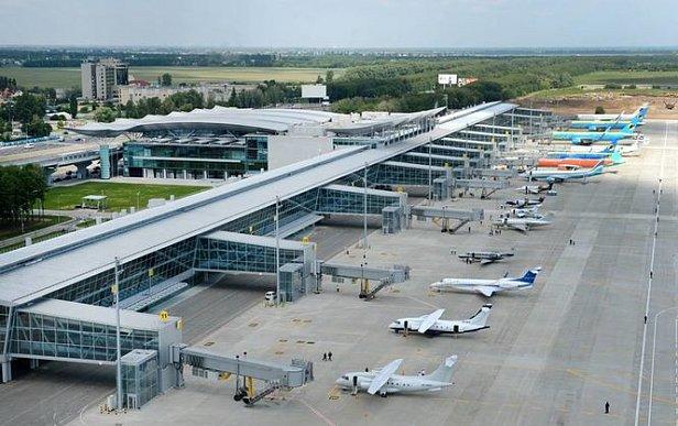 """ЧП в """"Борисполе"""": Туроператор объяснил причину аварийной посадки"""
