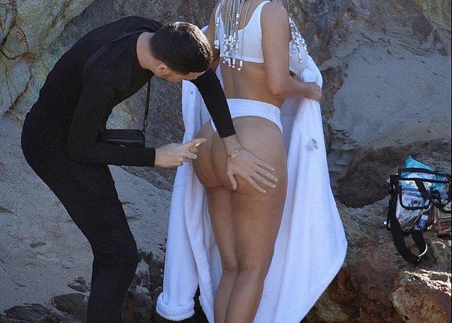 Ким Кардашьян выразила особую благодарность стилисту, который отвечал за её попу