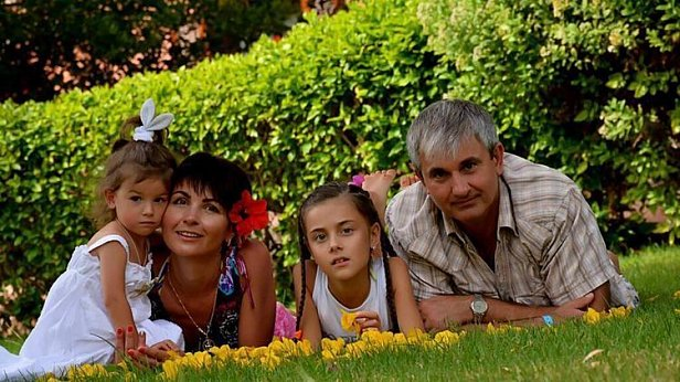 Фото — Владимир Гапоненко с семьёй