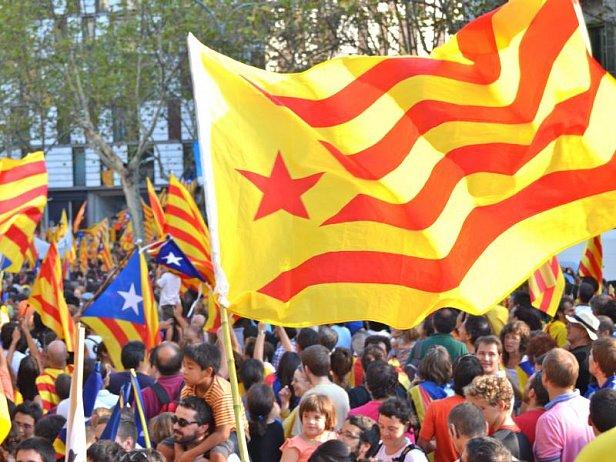 Минюст Испании: власти могут лишить Каталонию автономии
