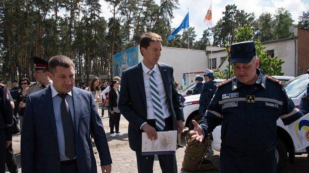 На фото пресс-аташе Представительства ЕС в Украине Юргис Вильчинскас