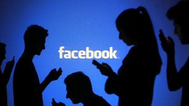 Facebook обвинили в манипуляции информацией